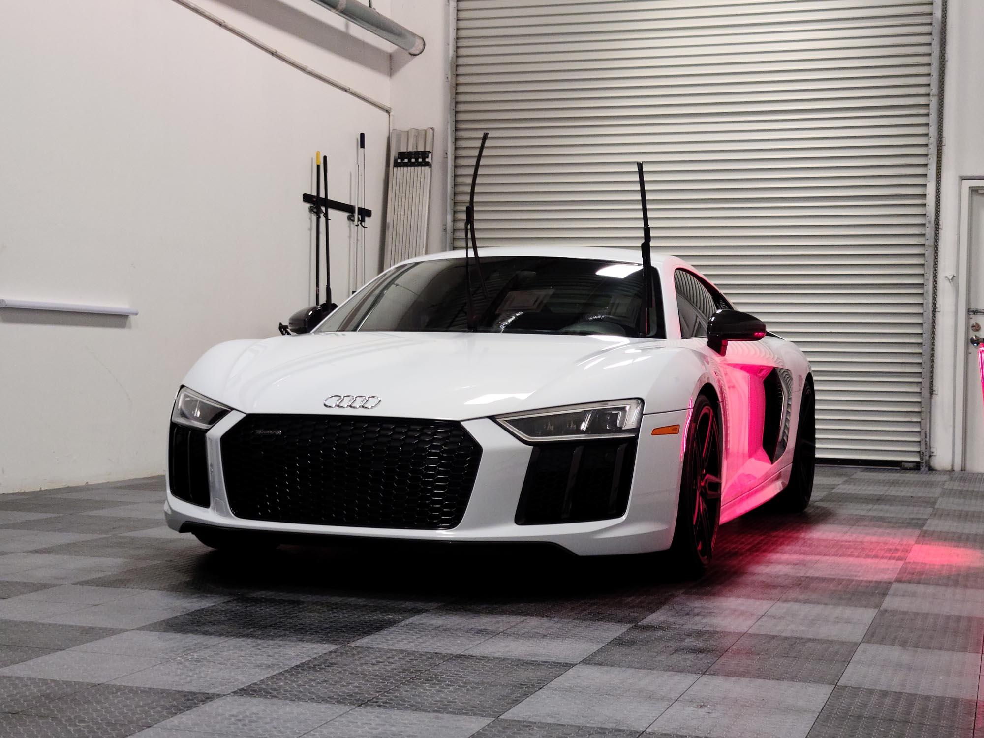 https://mk0flawlessimagps15a.kinstacdn.com/wp-content/uploads/2020/11/Audi-R8-paint-correction-11.jpg